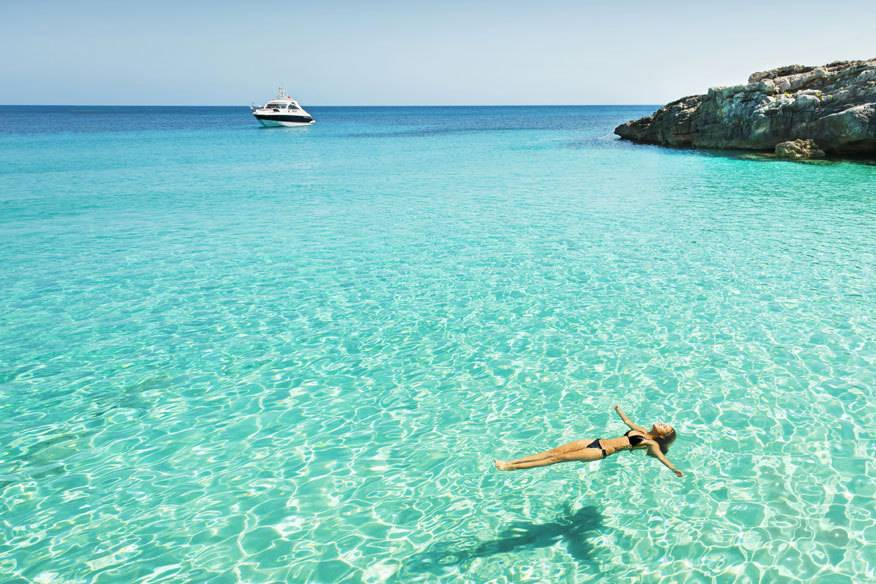 Im Urlaub endlich das tun, was man möchte, muss nicht sündhaft teuer sein. Bei TRAVELBOOK Escapes können Sie Luxushotel und Traumreisen bis zu 70 Prozent günstiger buchen