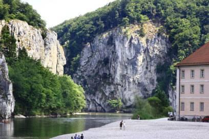 Der Donaudurchbruch am Kloster Weltenburg. Ein schönes Naturschutzgebiet und besonderes Highlight des Donauradweges