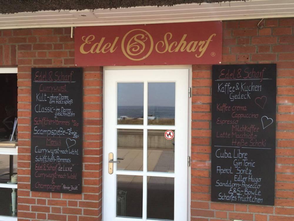 ¿Quieres un pequeño refresco mientras paseas por el paseo marítimo?  Edel & Scharf está en el camino.
