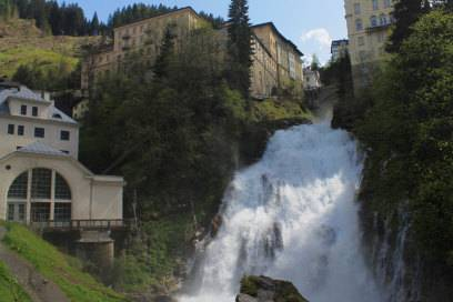 Zum Verrückt- oder Gesundwerden? Der Wasserfall mitten in der Stadt