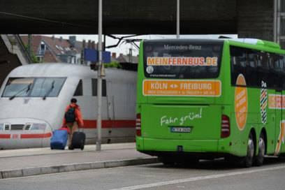 Geld sparen mit dem Bus: 22 Euro schlagen die 142 Euro der Bahn