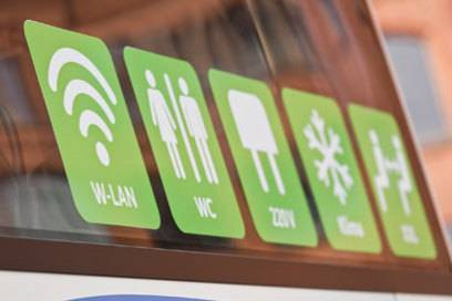 Internet, Toilette, Steckdosen, Klimaanlage und XXL-Beinfreiheit – damit werben die neuen Fernbusbetreiber