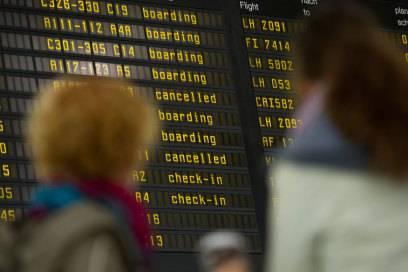 Zahlreiche Flüge wurden am Freitagmorgen wegen des Germanwings-Pilotenstreiks gestrichen. 15.000 Passagiere sind betroffen