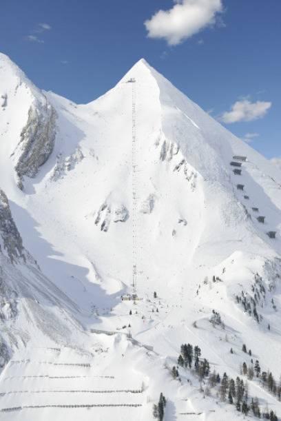 Ein Sessellift führt zur steilen Abfahrt der Gamsleiten 2 im Salzburger Land