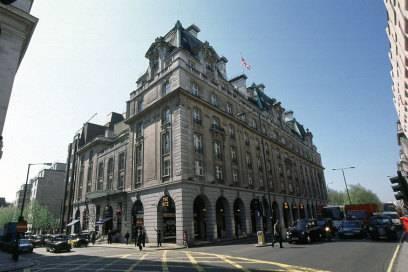 Im Ritz in London nächtigten innerhalb eines Jahres 2.600 Millionäre