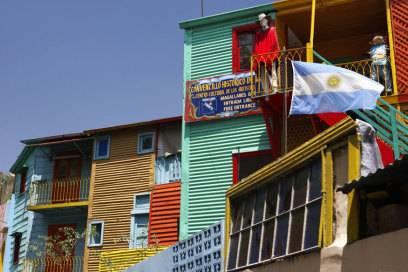 Die bunten Häuser im Hafenviertel La Boca