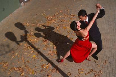 Tango gilt als getanzte Leidenschaft und Erotik und ist ein Symbol für das Land