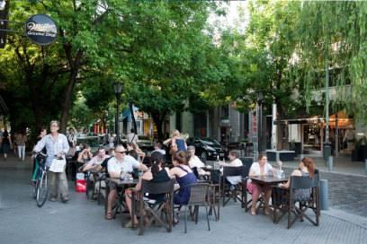 In Palermo geht es entschleunigt zu. Man trifft sich zum Spazieren, Kaffeetrinken oder Einkaufen