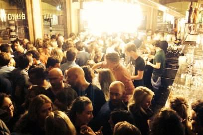 Perfekter Start ins Wochenende: in der Bar Bukowski