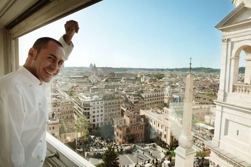 Legendär ist schon der Ausblick auf die Stadt: Das Hassler liegt mitten in Rom, direkt an der Spanischen Treppe