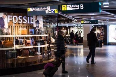Im Sicherheitsbereich haben die Fluggäste oft die nötige Ruhe und Zeit zum Bummeln – und für Spontankäufe