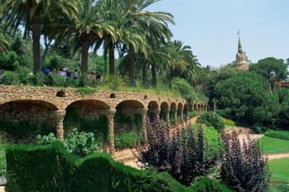 Ein Werk von Antoni Gaudí: der Park Güell in Barcelona. Von 1900 bis 1914 hat der Künstler den Park geschaffen