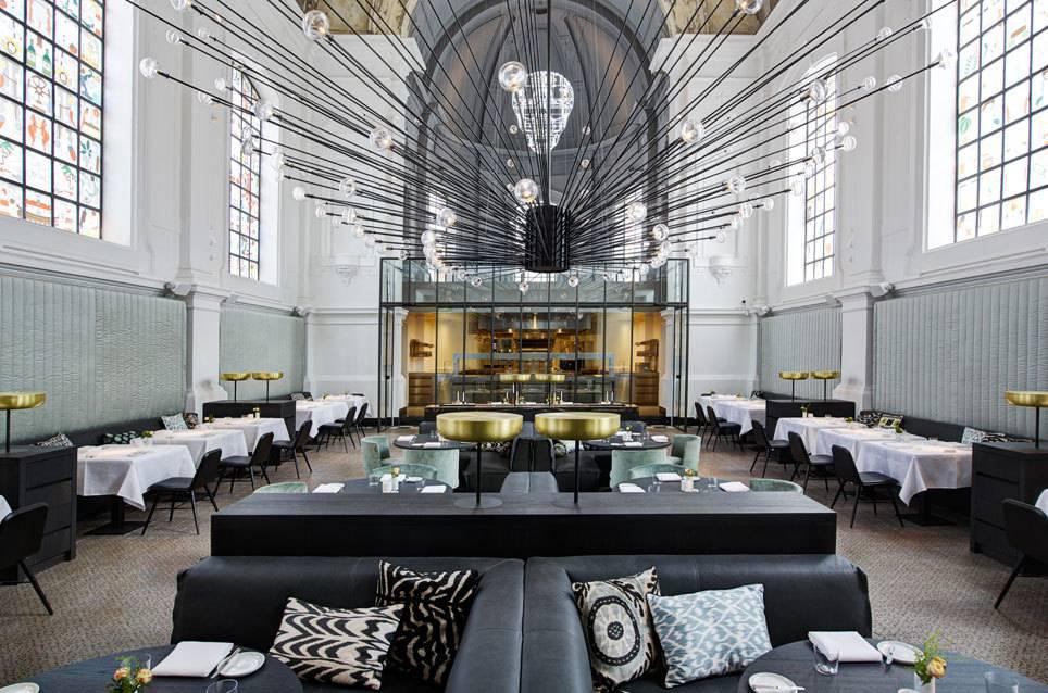 in diesen 6 restaurants wurde einst gebetet | travelbook - Cafe Mit Buchladen Innendesign Bilder