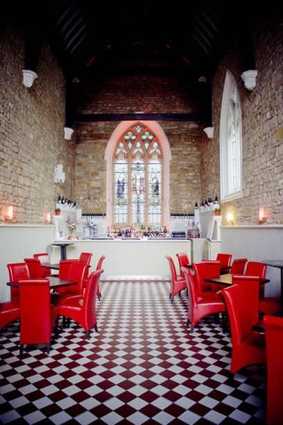 Früher Altar, heute Bar: In diesen 6 Restaurants wurde einst gebetet ...