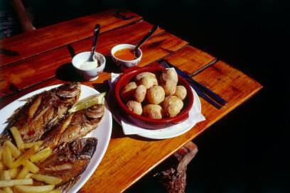 Gegriller Fisch und scharfe Soßen – allein schon die Kanarische Küche ist eine Reise wert