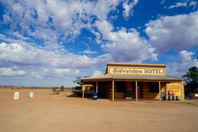 """Mitten in der Einöde liegt Ihr Hotel womöglich, wenn die Lage im Katalog als """"idyllisch"""" oder """"ruhig"""" beschrieben wurde."""