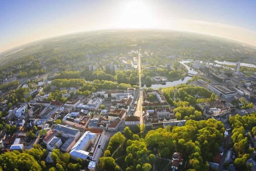 Tartu aus der Luft – die Universitätsstadt im Süden Estlands ist viel kleiner als Tallinn, muss sich dahinter aber nicht verstecken
