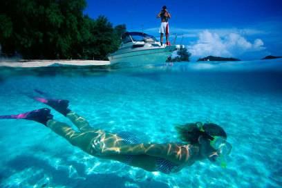 Das Wasser von Palau ist so klar, dass man darin Stunden mit Schnorcheln verbringen möchte