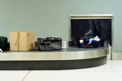 Diebstahl am Flughafen passiert nicht selten. Der Koffer der Zukunft soll Alarm schlagen, wenn jemand Unbefugtes ihn öffnet