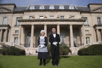 Der Prototyp des Butlers kommt aus England und sieht ungefähr so aus wie der Herr rechts