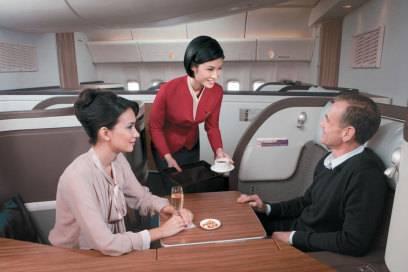 Sehr geräumig: die Erste Klasse von Cathay Pacific. Die in Hongkong ansässige Fluggesellschaft gehört laut Skytrax zu den zehn besten der Welt