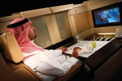 Betuchte Scheichs können sich die First-Class-Tickets von Etihad Airways, der Fluggesellschaft des Emirats Abu Dhabi, wohl am ehesten leisten