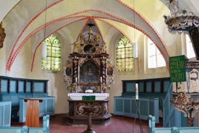 Wallfahrtsort: die Kirche St. Laurentius beherbergt ein Marienbild, von dem es hieß, es könne Wunder bewirken