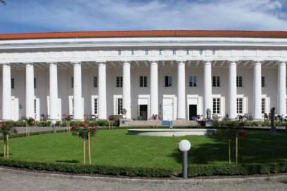 Wilhelm Malte ließ 1818 das Badehaus Goor errichten, die Säulen wurden erst später ergänzt