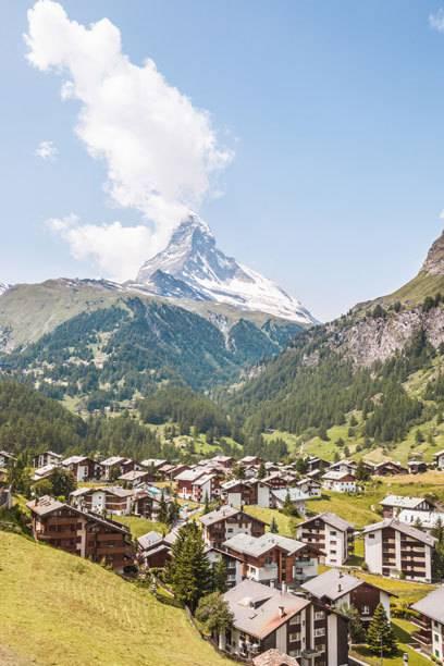 Zermatt ist ein beliebter Urlaubsort in der Schweiz – sein Wahrzeichen, das Matterhorn, hat ihn weltweit bekannt gemacht