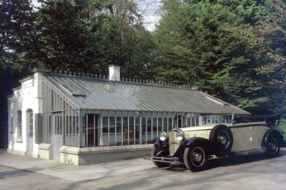 In diesem Gewächshaus in Stuttgart Bad Cannstatt entstand der Benzin-Motor, den Gottlieb Daimler in einer vierrädrigen Kutsche zum Laufen brachte. Der Prototyp des modernen Autos