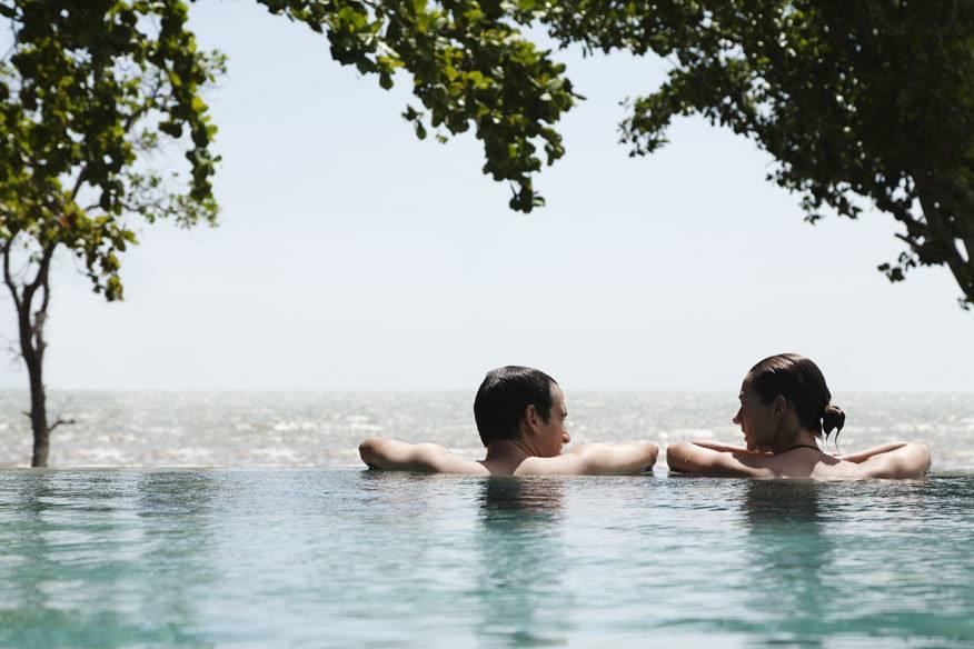 Im Urlaub ist man nicht nur entspannter, sondern oft auch offenen Herzens für eine neue Liebe – oder zumindest: einen Flirt