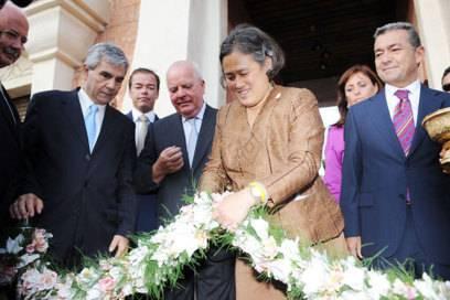 Maha Chakri Sirindhorn, Prinzessin des Königreichs Thailand, bei der Eröffnung des Siam Parks im Jahr 2008