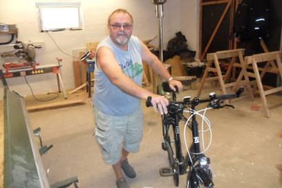 Holger mit Robins Fahrrad