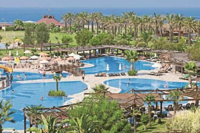 Palmen, Pools und Sonne: Cluburlauber – etwa im Club Calimera – wollen entspannen und ein wenig unterhalten werden