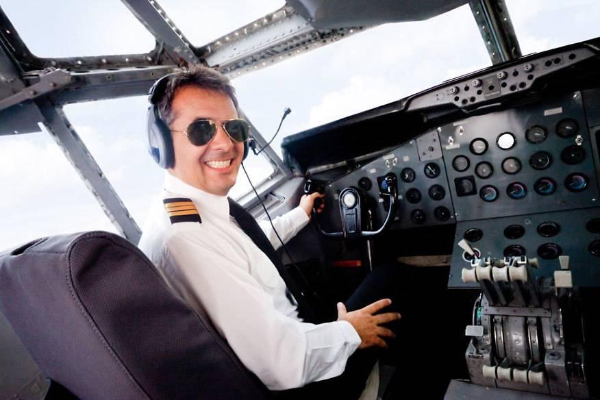 Ein Pilot sollte beim Fliegen immer einen klaren Kopf haben. Einmal kam es angeblich zu einer Verspätung, weil der Flugkapitän aus Versehen Gin statt Wasser getrunken hatte