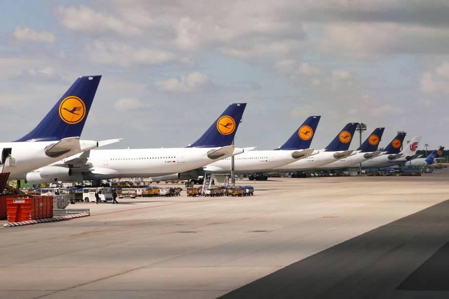 Auch am Mittwoch werden bei der Lufthansa wieder einige Flugzeuge stillstehen: Die Piloten wollen auf der Langstrecke streiken. Kunden sollen größtenteils umgebucht werden