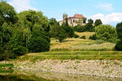 Die Burg Colmberg befindet sich auf dem mehr als 500 Meter hohen Heuberg