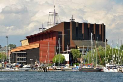 Das Museum zeigt das Kriegsschiff Vasa, das 1628 auf seiner Jungfernfahrt gesunken ist, und zeigt dessen Geschichte auf