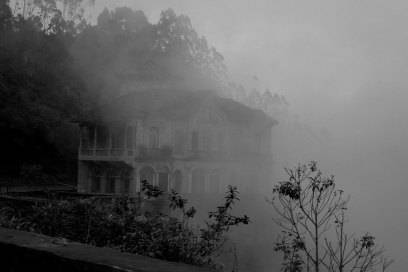 Im Nebel verbirgt sich der einstige Schauplatz von Glamour-Partys
