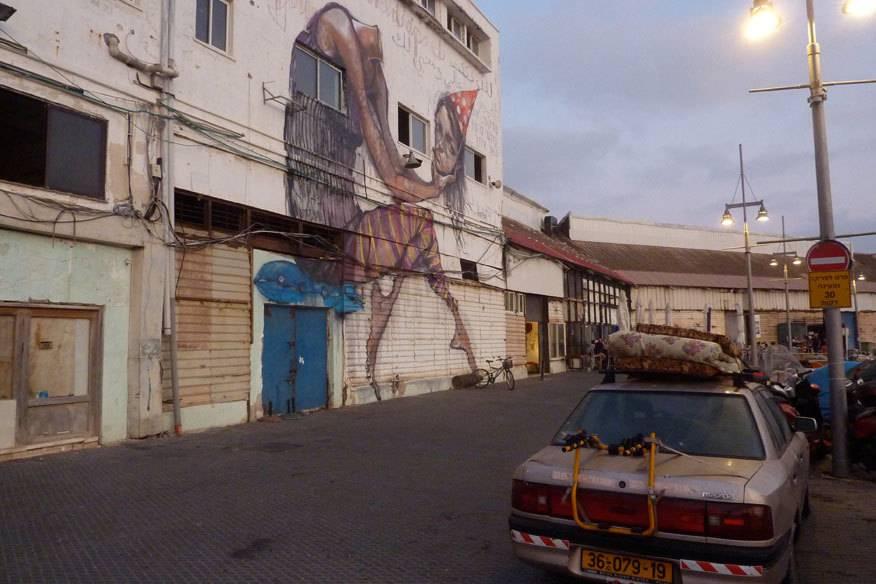In die leeren Lagerhallen im Hafen von Jaffa sind Künstler und Gastronomen eingezogen