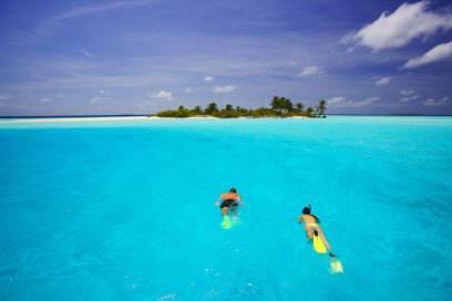 Perfekt zum Schnorcheln und Tauchen: die Inselwelt der Malediven