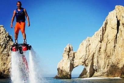 BIs zu 9 Meter hoch kann man mit dem Flyboard fliegen