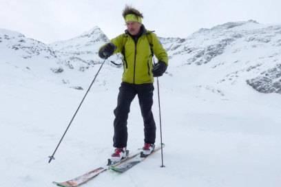 Fritz Stadler gibt im Kurse im Skitourengehen