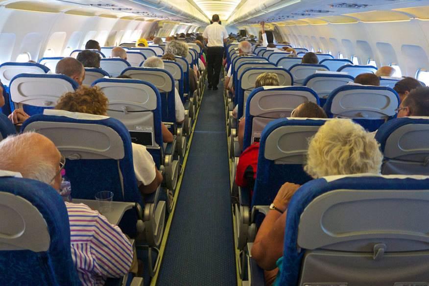 Stickige Luft, schlecht gelaunte Sitznachbarn, wenig Platz: Wer will schon Stunden in einem Flugzeug warten, ohne dabei seinem Reiseziel näher zu kommen?