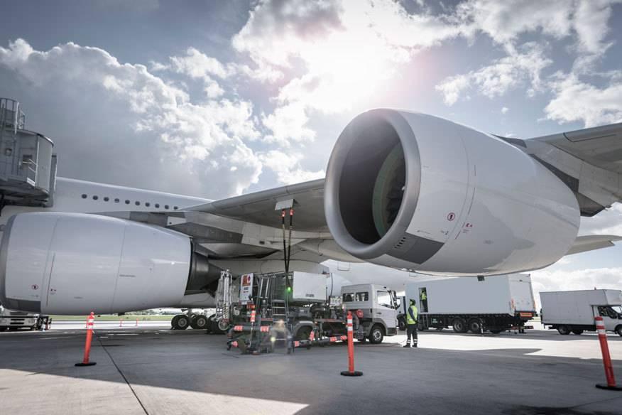 Kerosin kostete laut Airlineverband IATA Anfang Februar 2016 rund 40 Prozent weniger als vor einem Jahr. Aber die Flugpreise sind kaum gesunken.