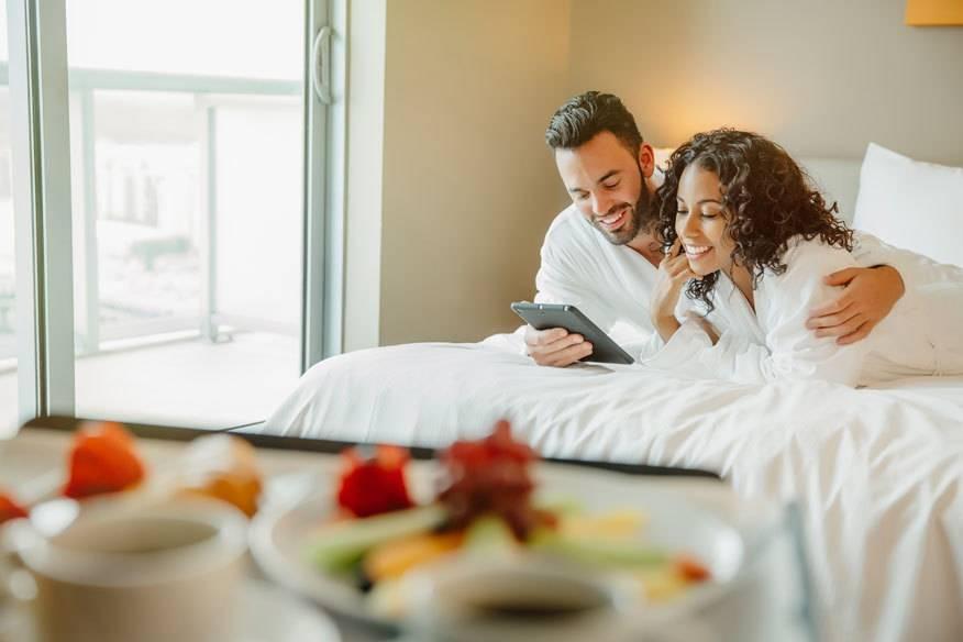 Bei den Bonusprogrammen von Luxushotels sammeln Urlaubern schon bei der ersten Buchung Punkte, die sich später in Form von Freinächten und anderen Vorteilen auszahlen
