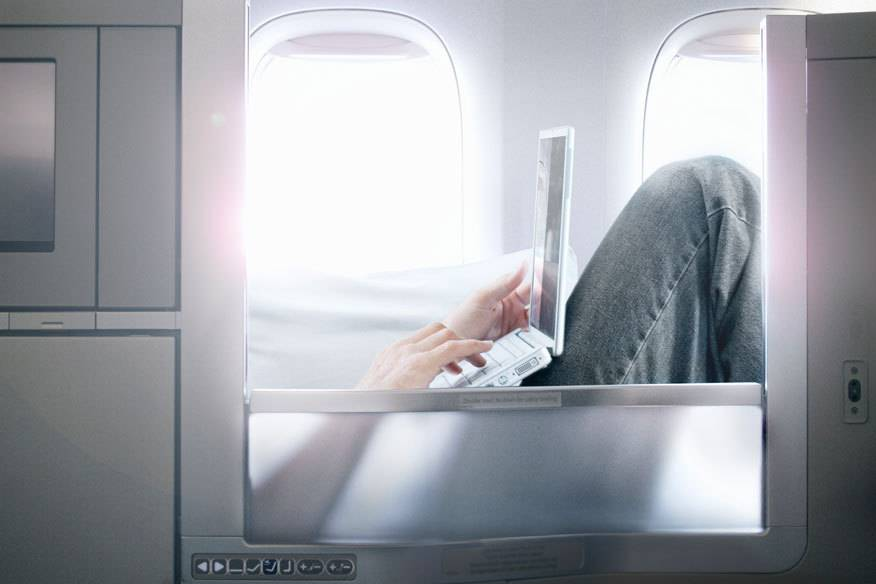 Ein Upgrade in die Business oder First Class ersteigern: Das bieten inzwischen einige Airlines an. Wer Glück hat und das höchste Angebot abgibt, bekommt den Platz in der höheren Klasse.