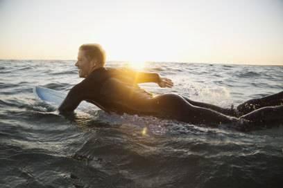Paddelnde Surfer sollen für Haie ähnlich klingen wie Beutetiere