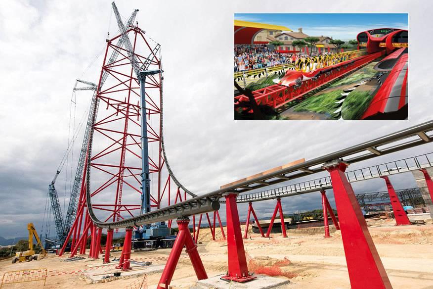 """So sieht es derzeit auf der Baustelle des """"Ferrari Land"""" aus – das Grundgerüst des Accelerator Coaster steht schon mal"""