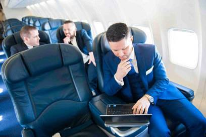 In der neuen Ryanair-Business-Class können Passagiere bequem arbeiten